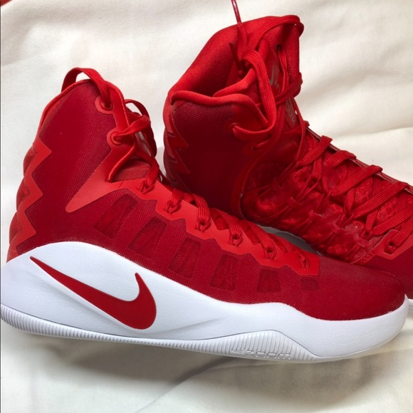 3c8b25c36561 NIKE Mens Hyperdunk Basketball Shoe Red 844368 662.  M 5c6c15f4e944ba05b2c5ada7